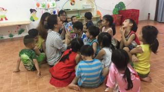 Đèn trời xuống phố - 11 năm hành trình với hoạt động tình nguyện cho trẻ em