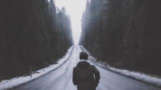 Không phải lạnh lùng hay vô cảm, phía sau một chàng trai còn che giấu nhiều hơn thế