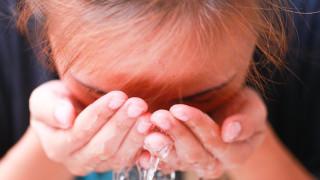 Giảm sưng mắt sau khi khóc