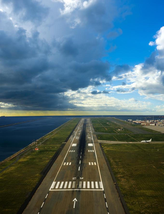 Runway-Airport