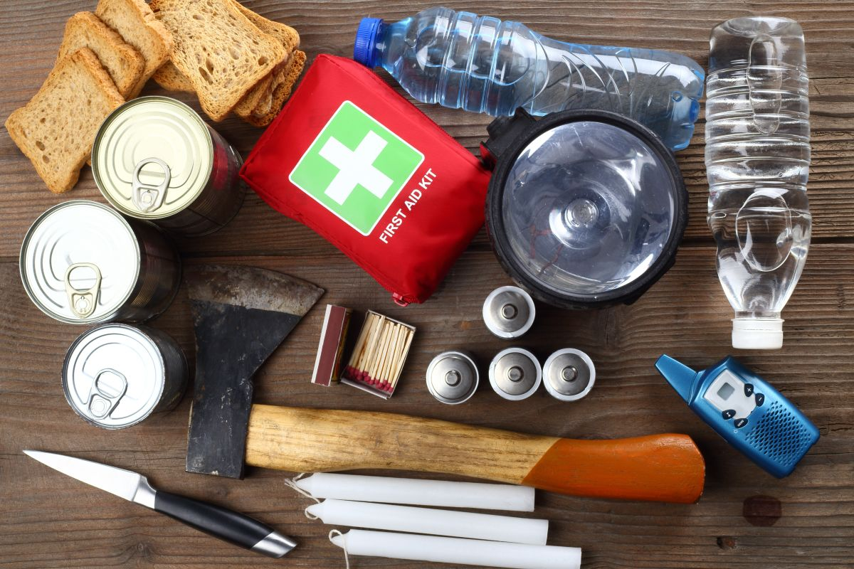Featured by Para: Image representing the 72-Hour Preparedness List, which includes activities, items, and products that help prepare you for that emergency or disaster.