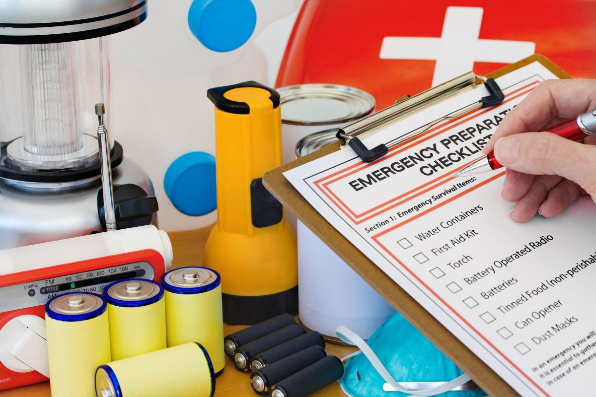 Featured by Para: Image representing the Food Storage Made Easy: Checklist #1 preparedness plan, which includes activities, items, and products that help prepare you for that emergency or disaster.