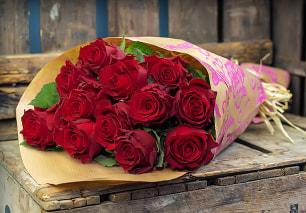12 Luxury Roses