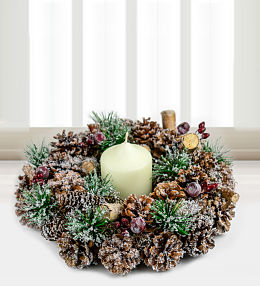 Noel Wreath and Candle