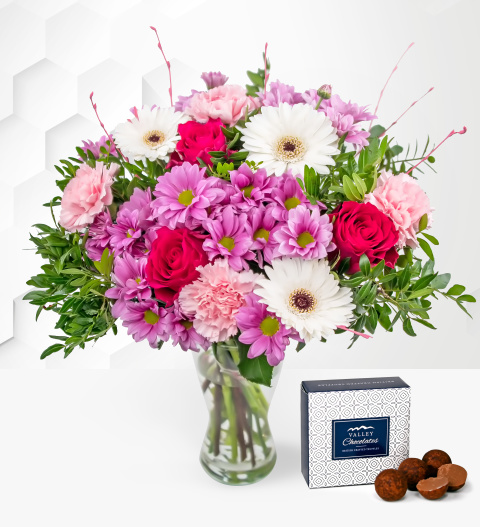 Cerise – Free Chocs – Mother's Day Flowers – Mother's Day Bouquet – Mother's Day Flower Delivery