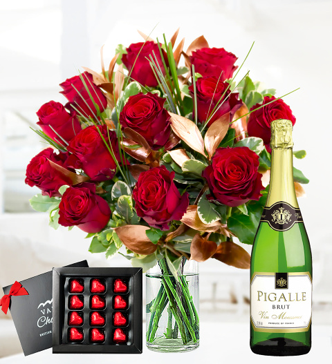 12 Red Rose Deluxe Gift