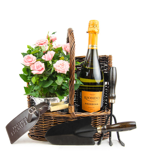 Flower And Wine Gift Baskets Uk : Rose gift basket ? mothers day gifts ? free