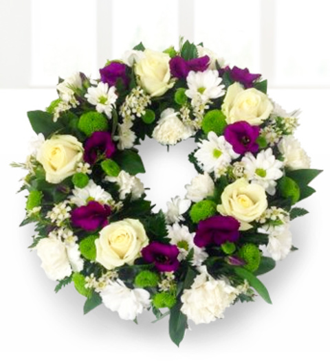 Traditional Wreath £59.99
