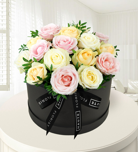 Avalanche Affection – Hat Box Flowers – Flowers in a Hat Box – Luxury Flowers – Birthday Gifts