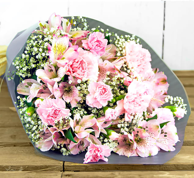 Free flower delivery on Pretty & Pink