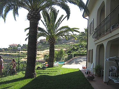 Image 4   4 bedroom villa for sale with 1,500m2 of land, Ospedaletti, Imperia, Liguria 108678