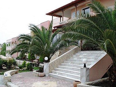 Image 1 | Stunning Beachfront Hotel 123665