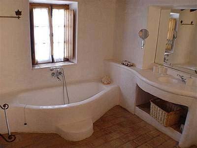 Image 15   8 bedroom villa for sale with 0.5 hectares of land, Almancil, Central Algarve, Algarve Golden Triangle 128803