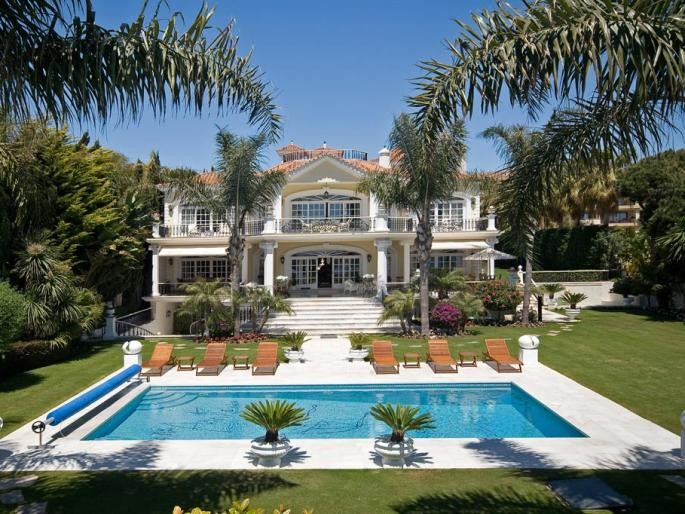 Image 1 | 5 bedroom villa for sale with 0.5 hectares of land, Puerto Banus, Malaga Costa del Sol, Andalucia 171022