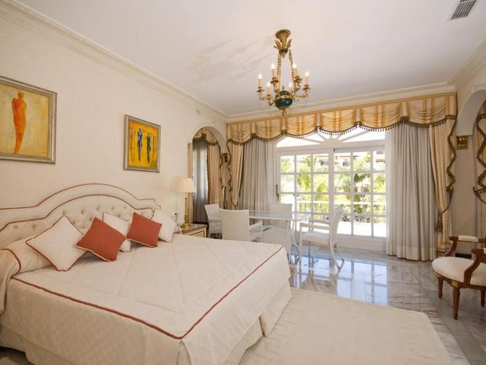 Image 13 | 5 bedroom villa for sale with 0.5 hectares of land, Puerto Banus, Malaga Costa del Sol, Andalucia 171022