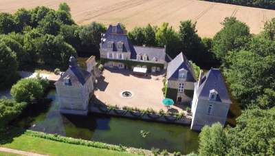 Image 1   Charming Loire Chateau for Sale with 10 bedrooms near Tour 187257