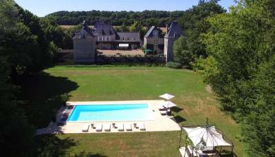 Image 2   Charming Loire Chateau for Sale with 10 bedrooms near Tour 187257