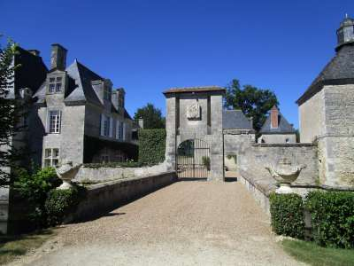 Image 20   Charming Loire Chateau for Sale with 10 bedrooms near Tour 187257