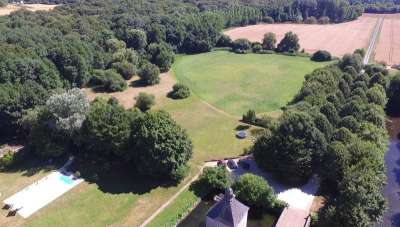 Image 22   Charming Loire Chateau for Sale with 10 bedrooms near Tour 187257