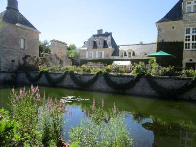 Image 3   Charming Loire Chateau for Sale with 10 bedrooms near Tour 187257