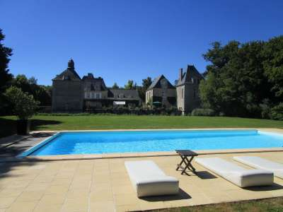 Image 5   Charming Loire Chateau for Sale with 10 bedrooms near Tour 187257