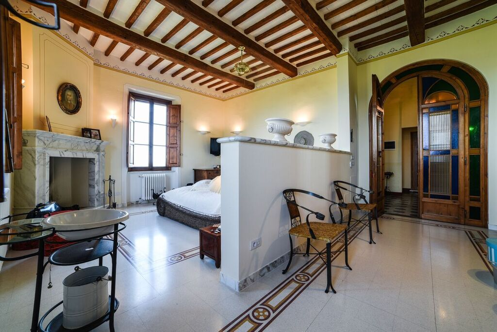 Image 15 | 6 bedroom villa for sale with 1.4 hectares of land, Montecarlo, Lucca, Tuscany 188274