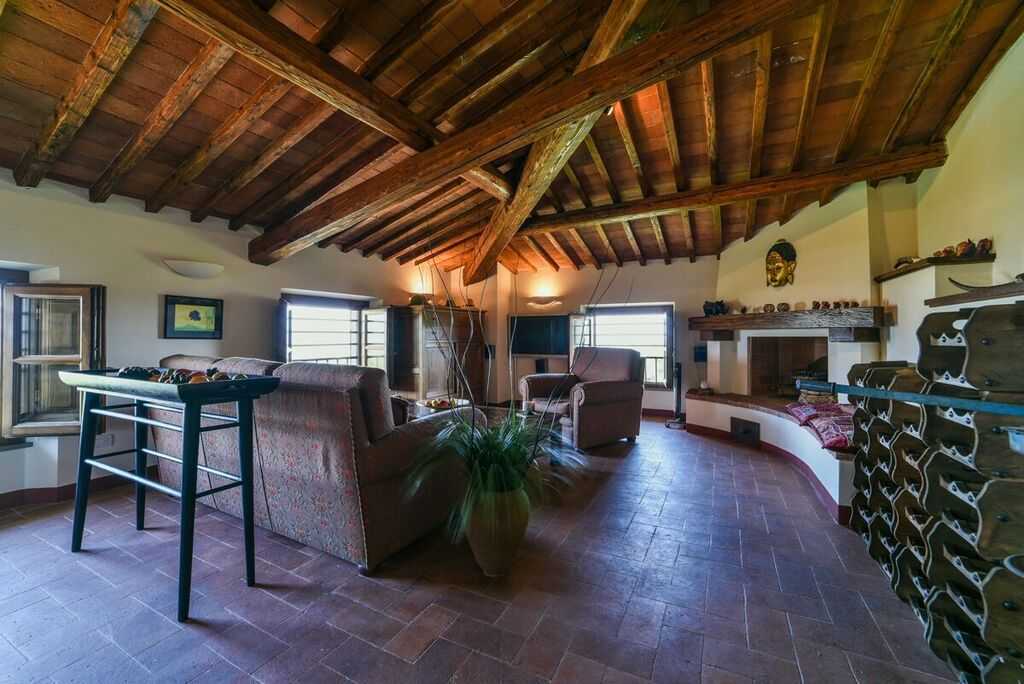 Image 18   6 bedroom villa for sale with 1.4 hectares of land, Montecarlo, Lucca, Tuscany 188274