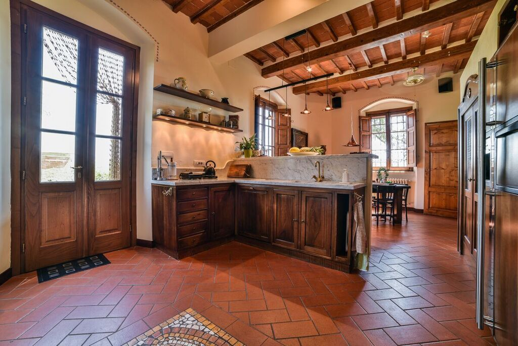 Image 2   6 bedroom villa for sale with 1.4 hectares of land, Montecarlo, Lucca, Tuscany 188274