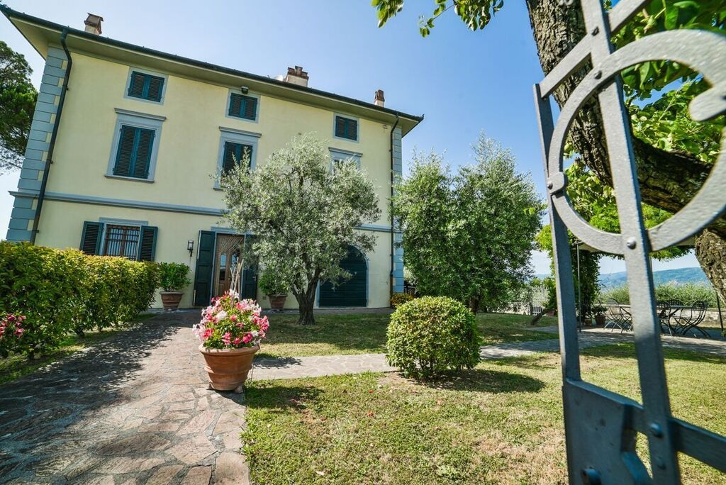 Image 20   6 bedroom villa for sale with 1.4 hectares of land, Montecarlo, Lucca, Tuscany 188274