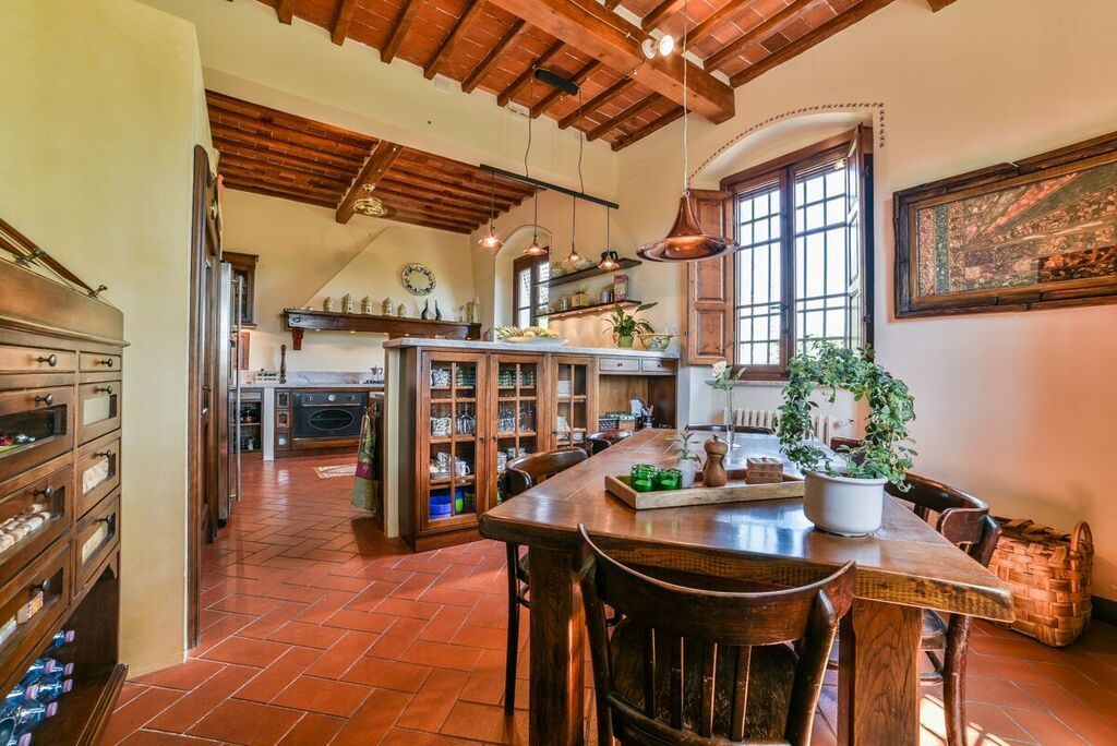 Image 25 | 6 bedroom villa for sale with 1.4 hectares of land, Montecarlo, Lucca, Tuscany 188274