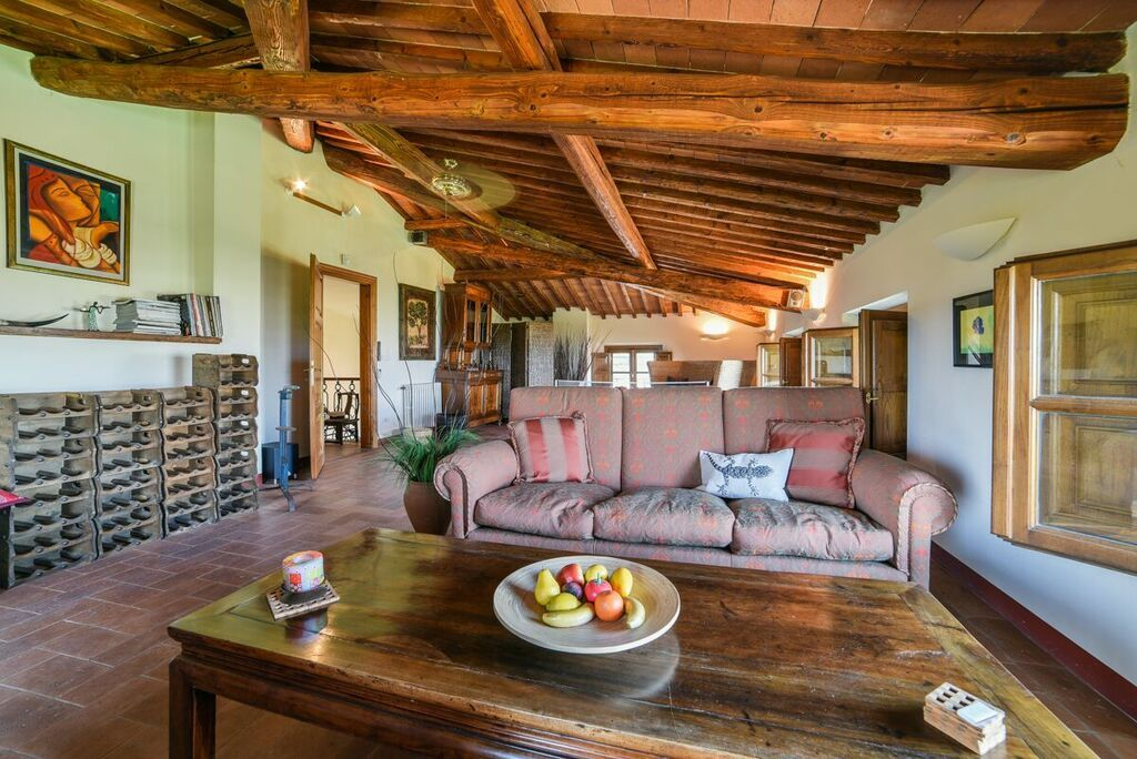 Image 26 | 6 bedroom villa for sale with 1.4 hectares of land, Montecarlo, Lucca, Tuscany 188274
