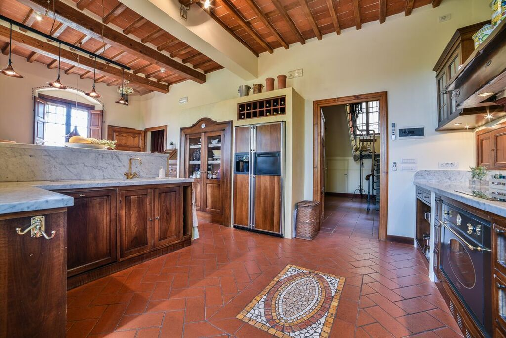 Image 27   6 bedroom villa for sale with 1.4 hectares of land, Montecarlo, Lucca, Tuscany 188274
