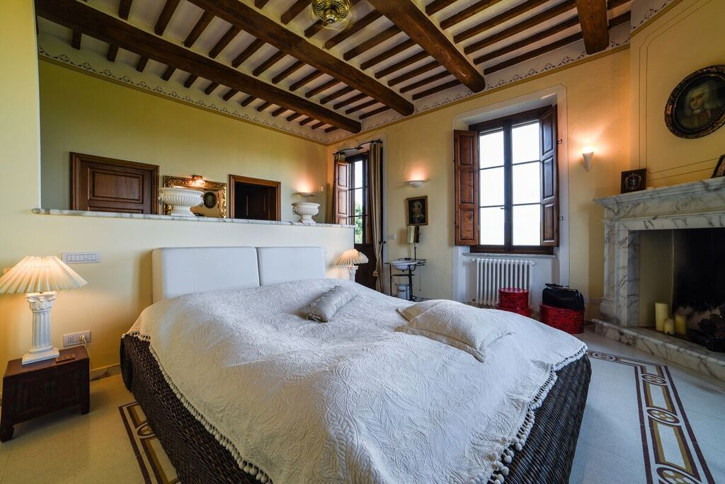 Image 3   6 bedroom villa for sale with 1.4 hectares of land, Montecarlo, Lucca, Tuscany 188274