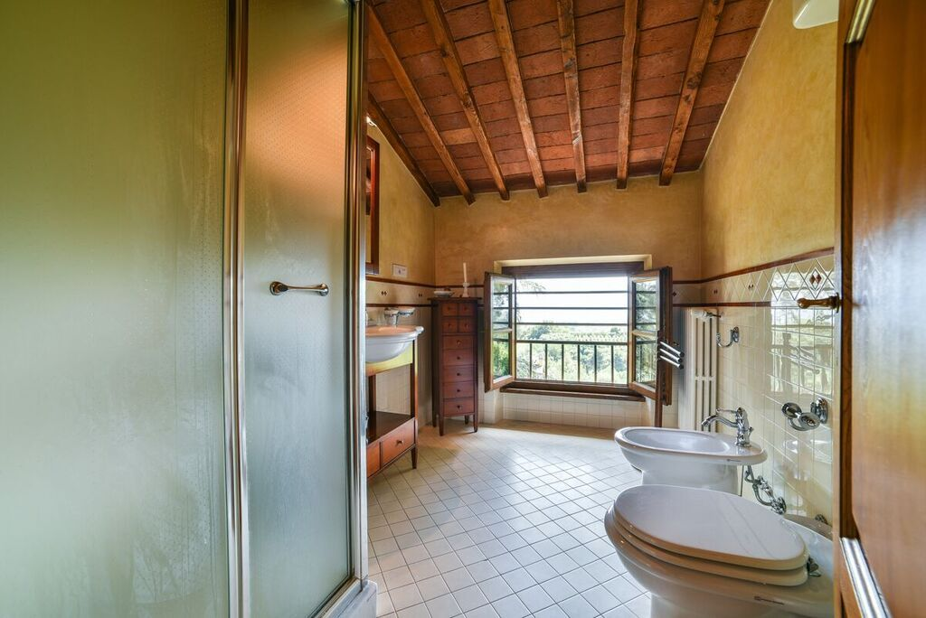 Image 33 | 6 bedroom villa for sale with 1.4 hectares of land, Montecarlo, Lucca, Tuscany 188274