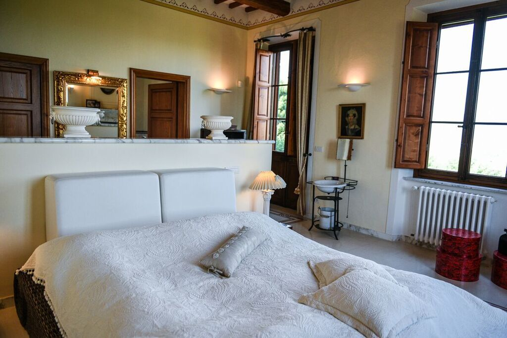 Image 6 | 6 bedroom villa for sale with 1.4 hectares of land, Montecarlo, Lucca, Tuscany 188274