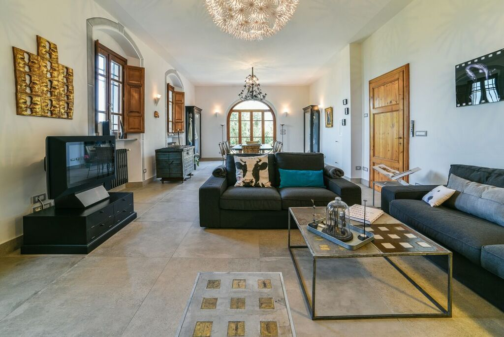 Image 8 | 6 bedroom villa for sale with 1.4 hectares of land, Montecarlo, Lucca, Tuscany 188274