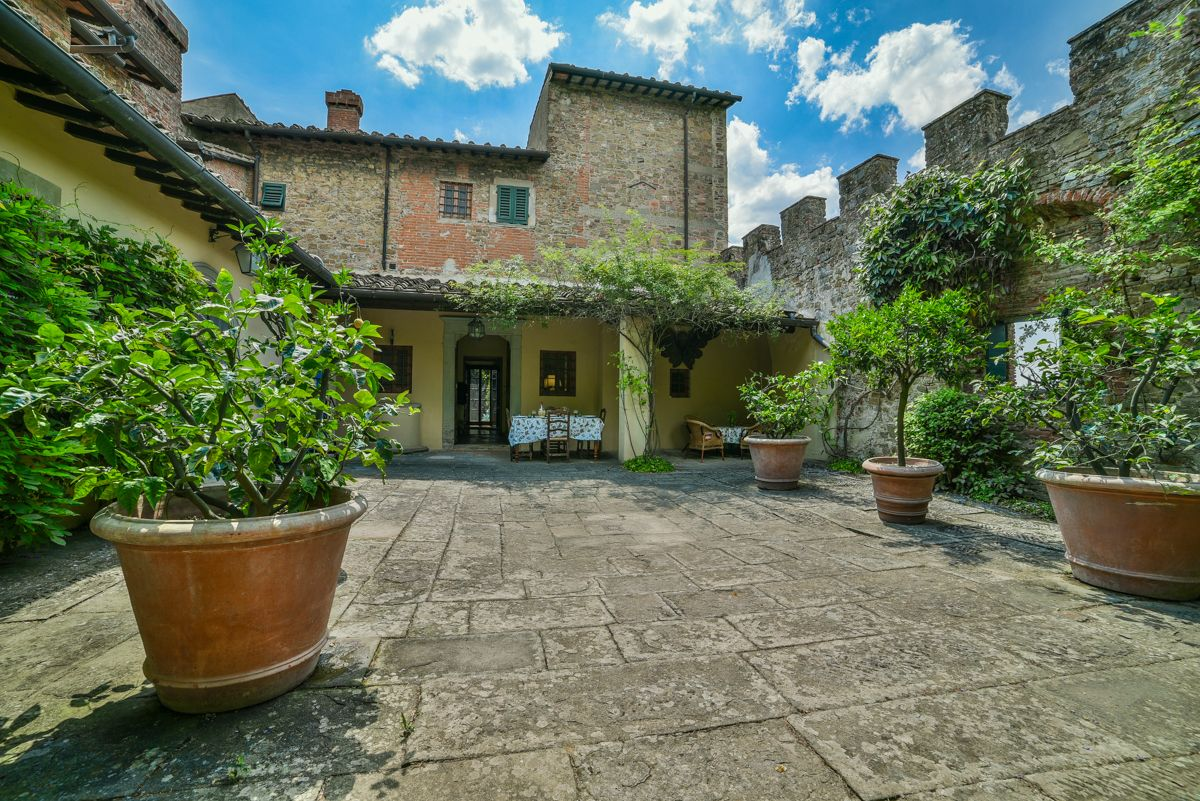 Image 1   7 bedroom villa for sale with 1 hectares of land, Florence, Chianti Wine Region 193677