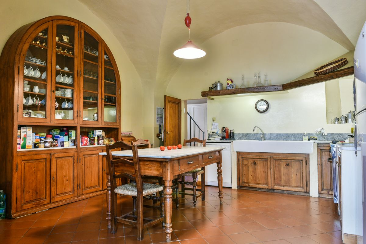 Image 16   7 bedroom villa for sale with 1 hectares of land, Florence, Chianti Wine Region 193677