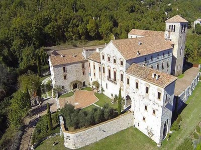 Magnificent renovated former abbey with various apartments for sale in Rieti