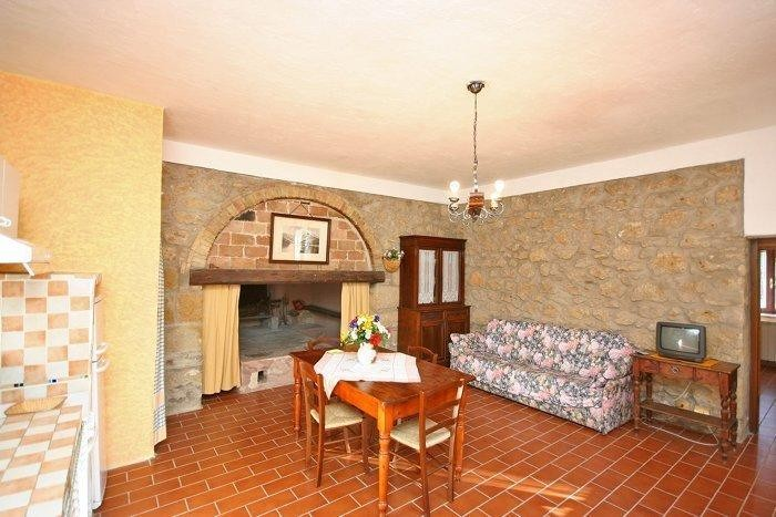 Image 3   9 bedroom farmhouse for sale with 2 hectares of land, Montecatini Val di Cecina, Pisa, Tuscany 195716