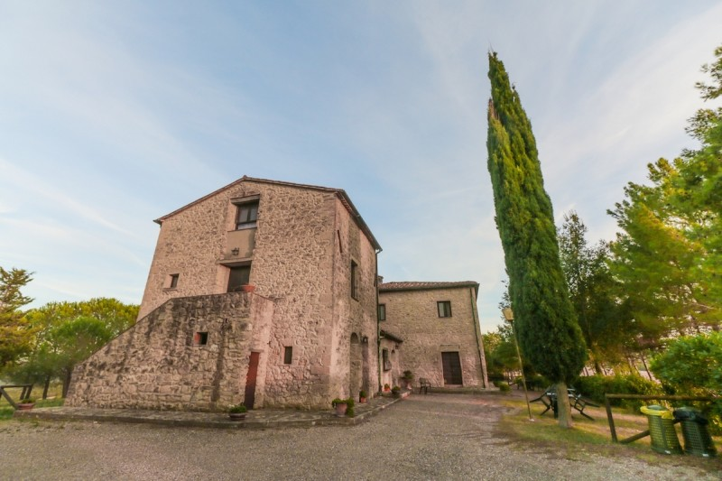 Image 4   9 bedroom farmhouse for sale with 2 hectares of land, Montecatini Val di Cecina, Pisa, Tuscany 195716