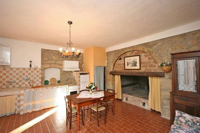 Image 8   9 bedroom farmhouse for sale with 2 hectares of land, Montecatini Val di Cecina, Pisa, Tuscany 195716