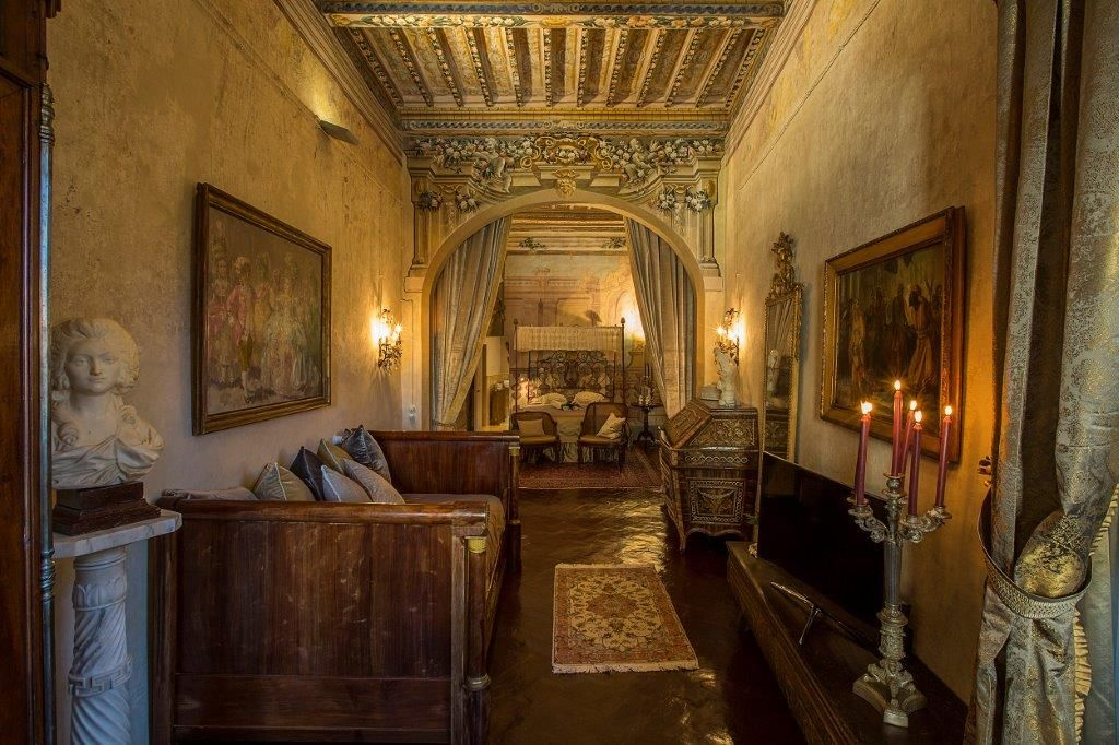 Image 11   Magnificent 6 bedroom apartment for sale in a palace in the heart of Cortona   195745