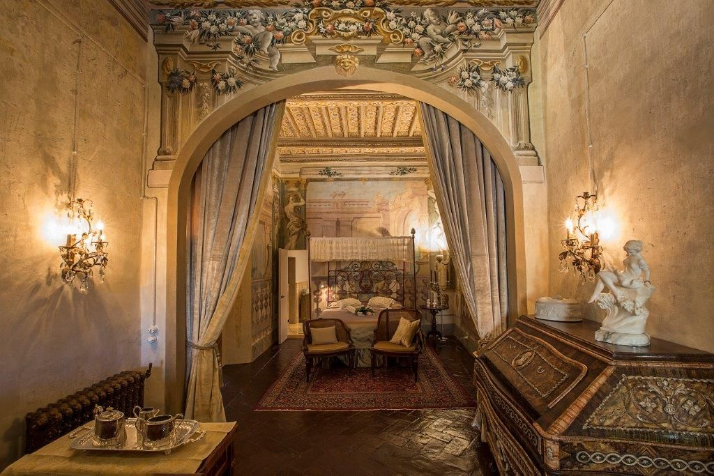 Image 12   Magnificent 6 bedroom apartment for sale in a palace in the heart of Cortona   195745