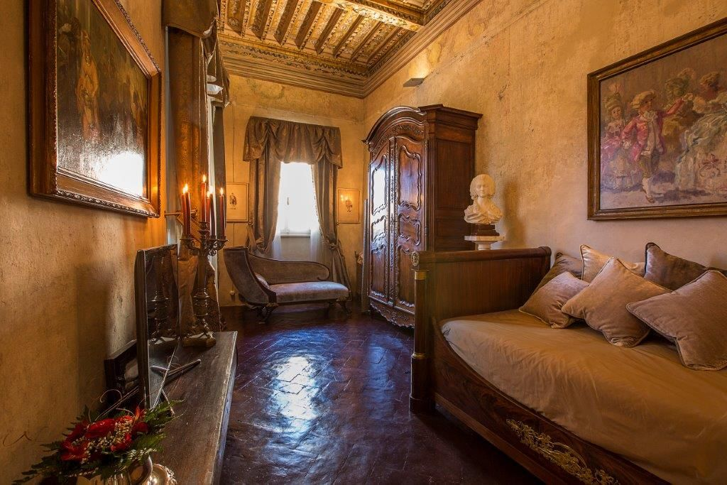Image 14   Magnificent 6 bedroom apartment for sale in a palace in the heart of Cortona   195745