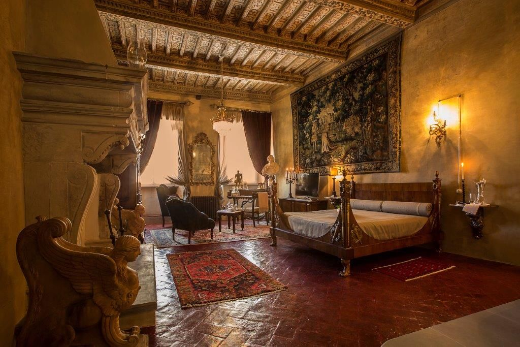 Image 19   Magnificent 6 bedroom apartment for sale in a palace in the heart of Cortona   195745