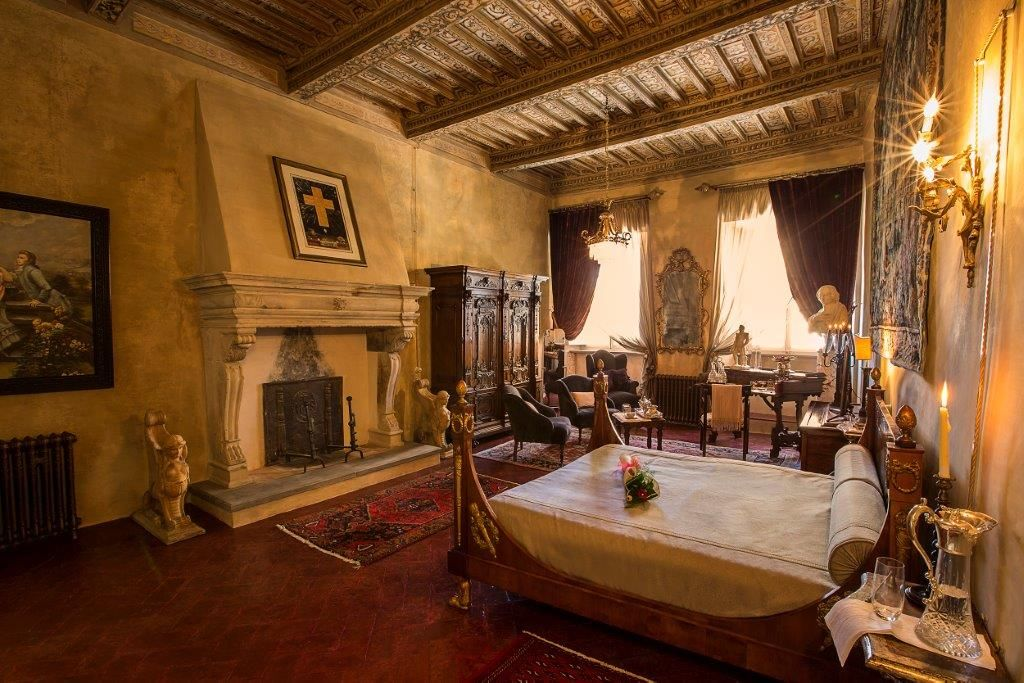 Image 20   Magnificent 6 bedroom apartment for sale in a palace in the heart of Cortona   195745