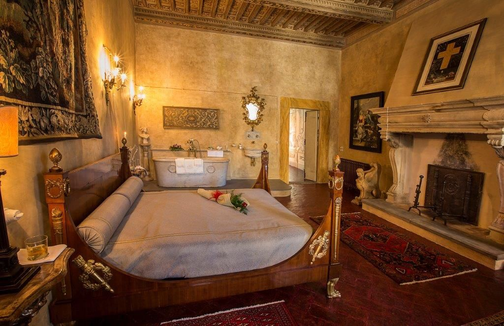 Image 21   Magnificent 6 bedroom apartment for sale in a palace in the heart of Cortona   195745