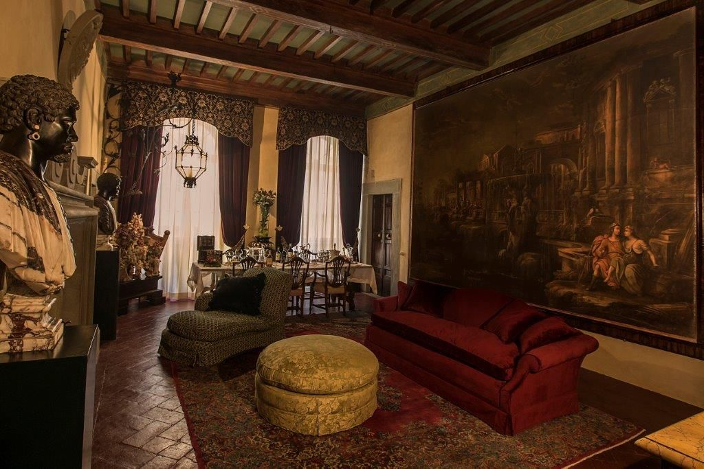 Image 5   Magnificent 6 bedroom apartment for sale in a palace in the heart of Cortona   195745