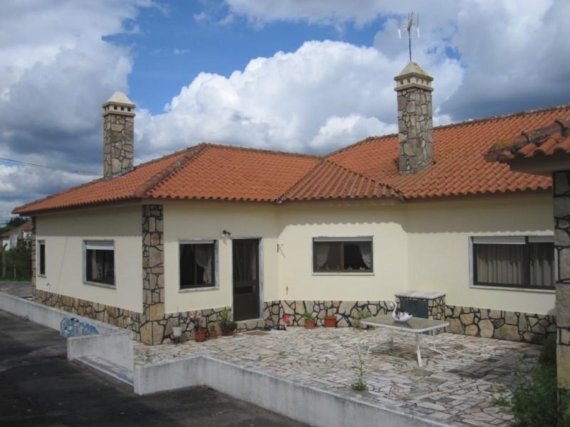 Image 3   4 bedroom villa for sale with 0.6 hectares of land, Cadaval, Lisbon District, Costa de Prata Silver Coast 196233
